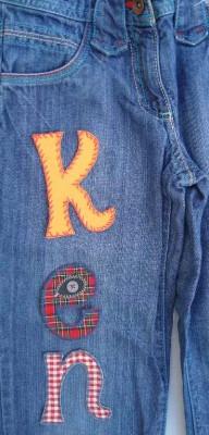 Jeans flicken mit buegelbaren Buchstaben bei www.namengeschenk.de