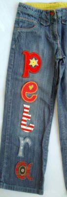 Die Namen Jeans als personalisiertes Weihnachtsgeschenk ist persönlich und peppig bei www.namengeschenk.de