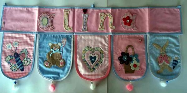 Alina schenke ich ein Namen Banner zur Dekoration im Kinderzimmer bei www.namengeschenk.de