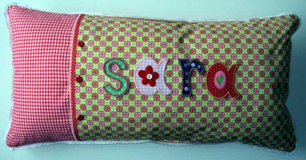Namen Kissen sind dekorative Geschenke des Namens für Junge und Alte.