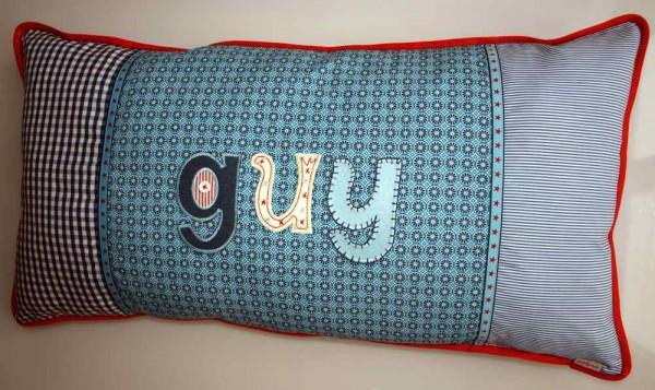 Trickyboo personalisiert Geburtsgeschenke, Taufgeschenke und Weihnachtsgeschenke mit bügelbaren Buchstaben.