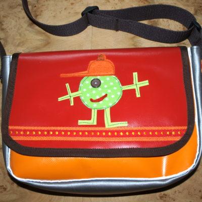 Namen Aufbügler aufnähen - Kindergarten Taschen personalisieren aufpeppen