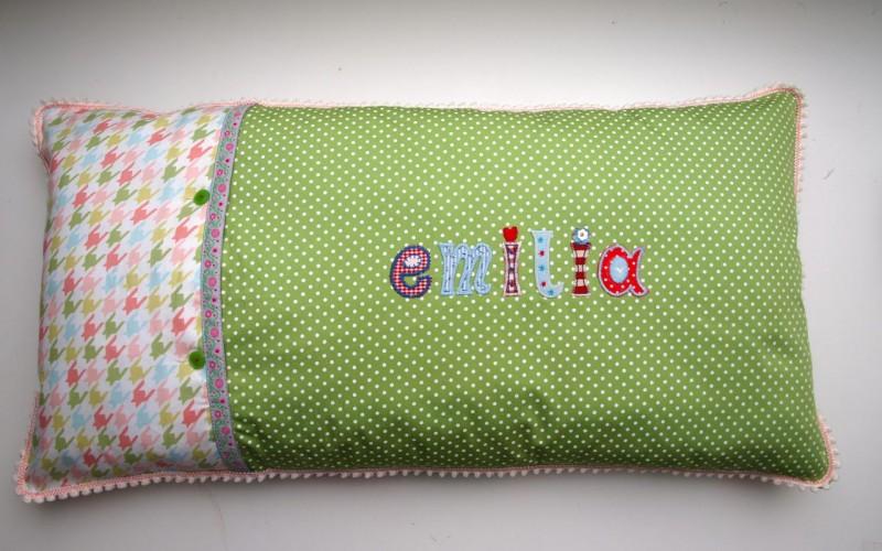Lange Namen Kinder Kissen personalisiert mit Bügel Buchstaben